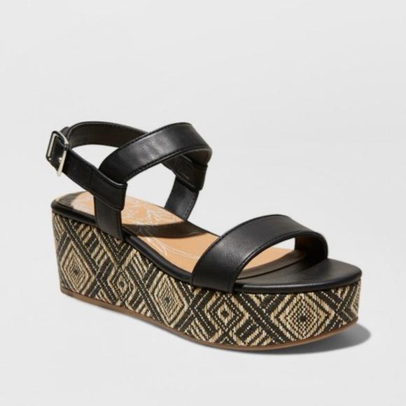 f89a25e4e3c Women s dv Brynn Ankle Strap Woven Flatform Sandal